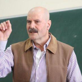 Israël emprisonne l'intellectuel palestinien Ahmed Qatamesh sans charge ni procès