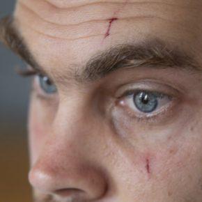 Un militant israélien persécuté par un groupe d'extrême droite, gardé depuis un mois en détention