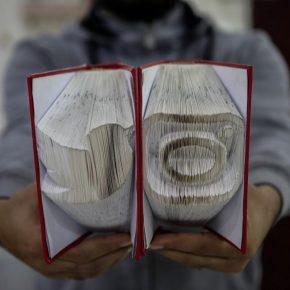 À la rencontre de l'artiste gazaoui devenu roi des origamis
