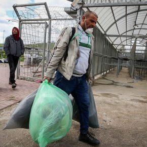 """""""Dès qu'un travailleur est malade, ils le jettent à un checkpoint comme un chien"""""""