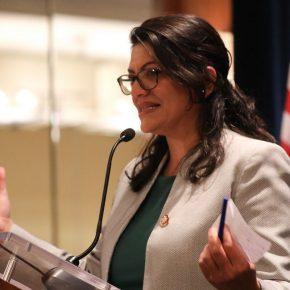 Rashida Tlaib gagne les primaires dans le Michigan