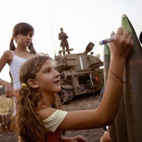 Israël, le destructeur du Liban, se pose en sauveur